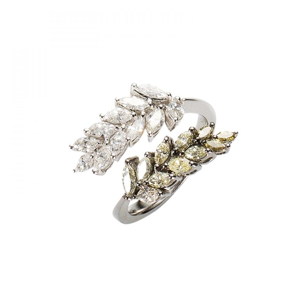 KESSARIS White & Fancy Brown Marquise Diamond Ring DAE104235