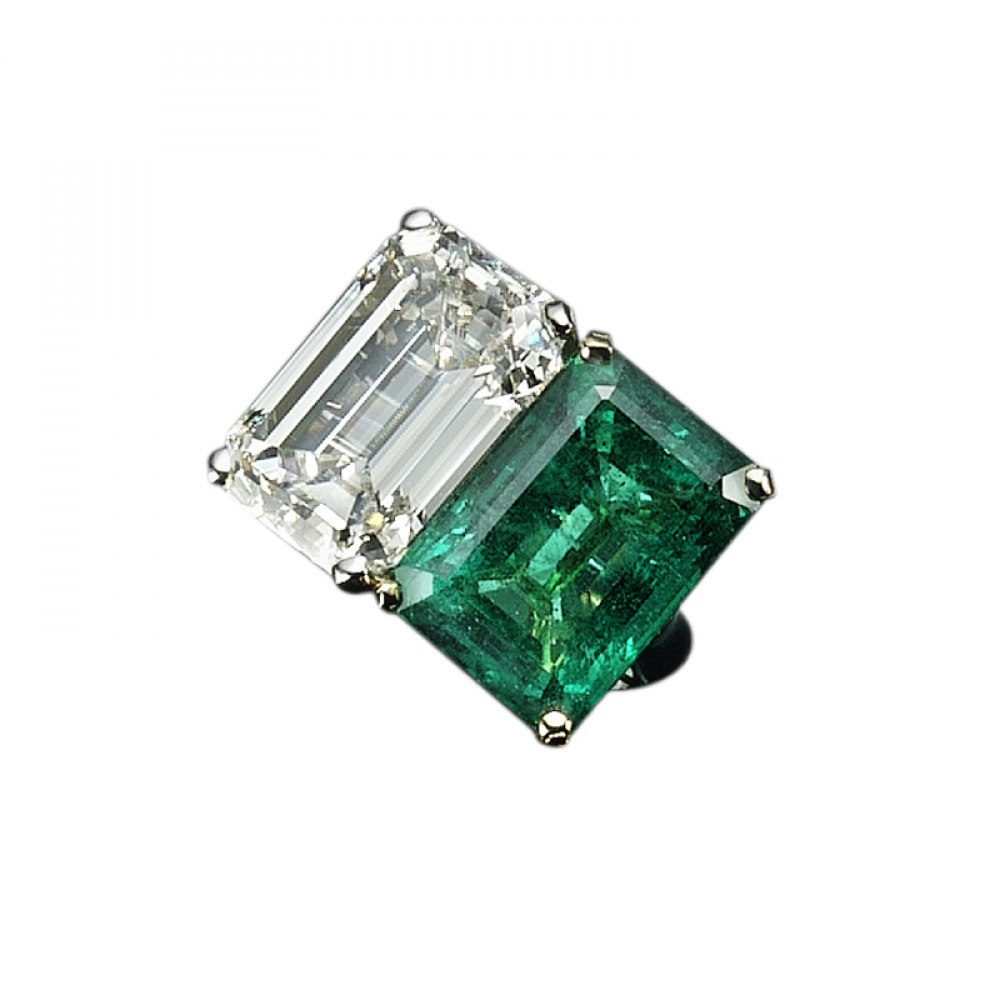 KESSARIS Emerald & Diamond Twin Stone Ring DAP103905