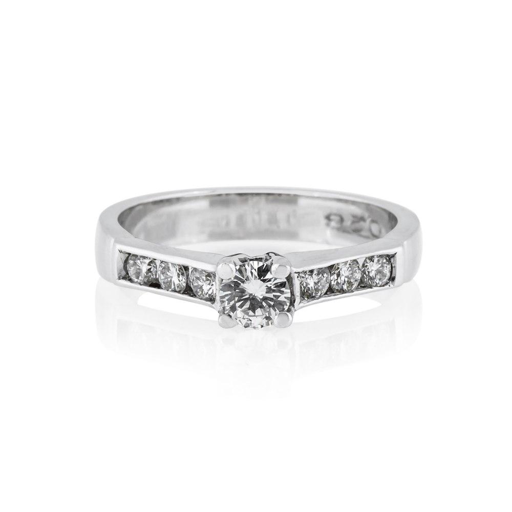 KESSARIS Brilliant Cut Diamond Engagement Ring DAE23005