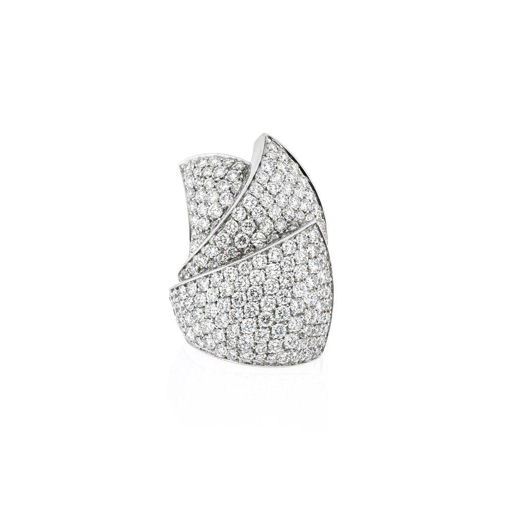 KESSARIS Pavé Diamond Ring DAP10891