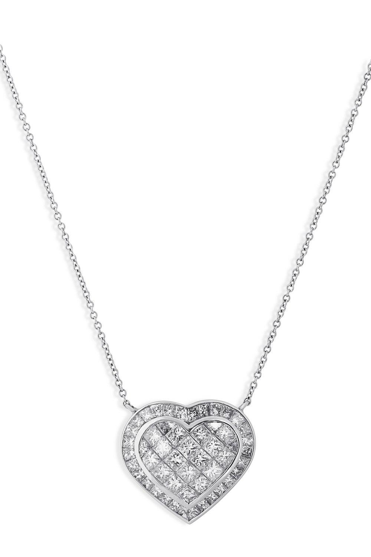 KESSARIS Heart Diamond Cluster Pendant Necklace KOP70013