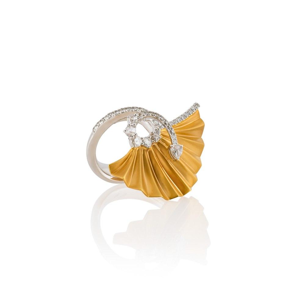 KESSARIS Gold Plisse Ring DAE180975