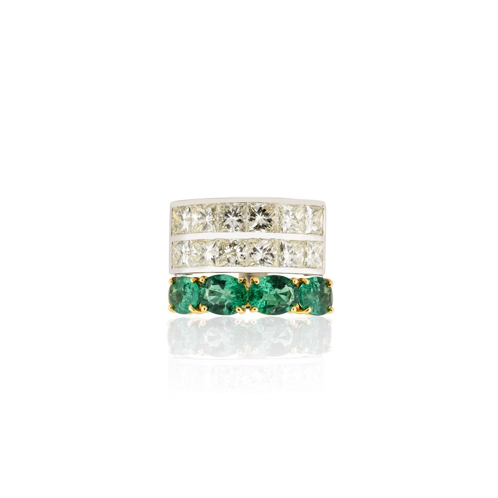 KESSARIS Diamond & Emerald Three Band Ring DAP130197