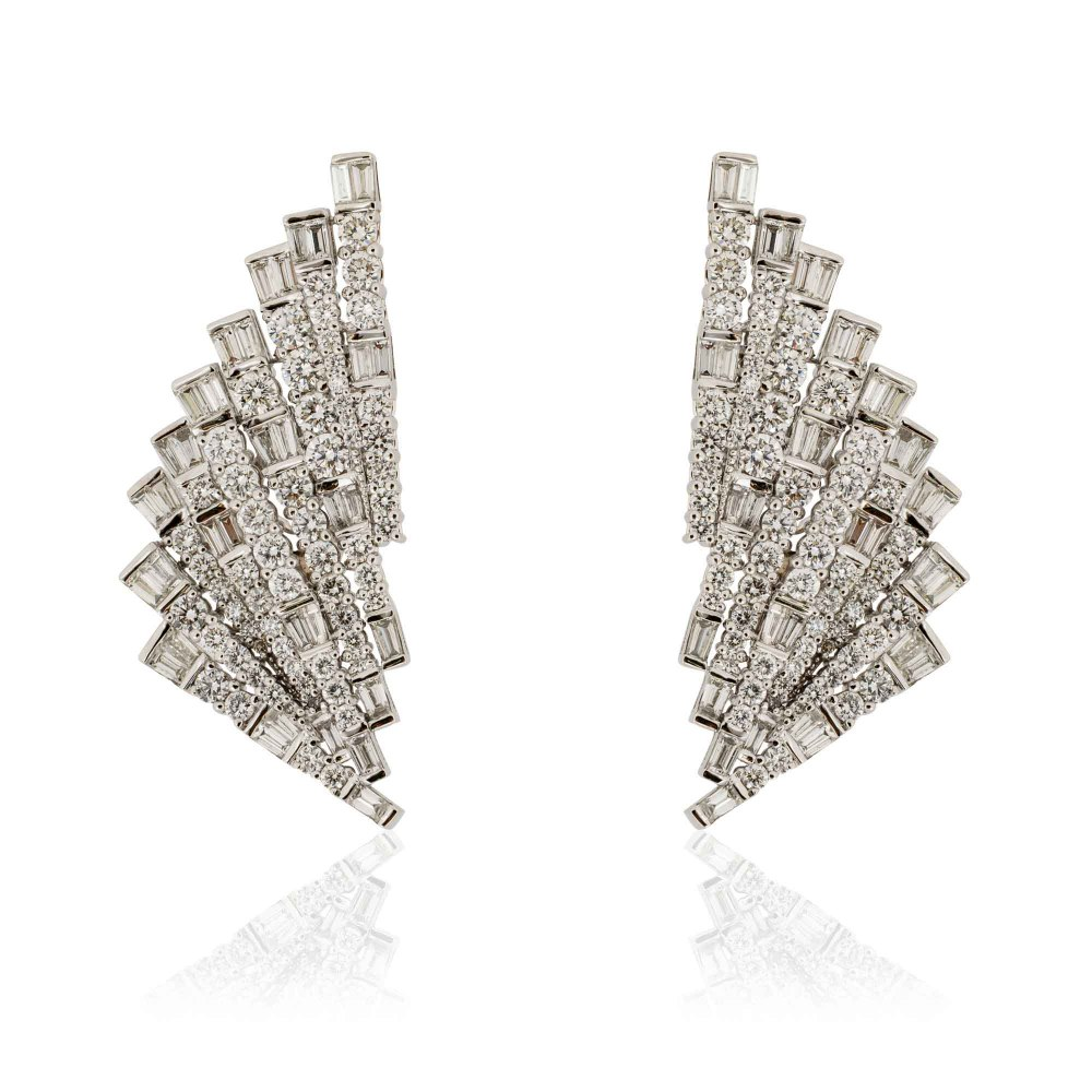 KESSARIS Geometric Fan Diamond Earrings SKP181105