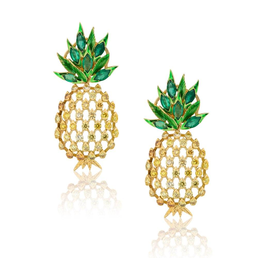 KESSARIS Diamond & Emerald Pinneapple Earrings M4405