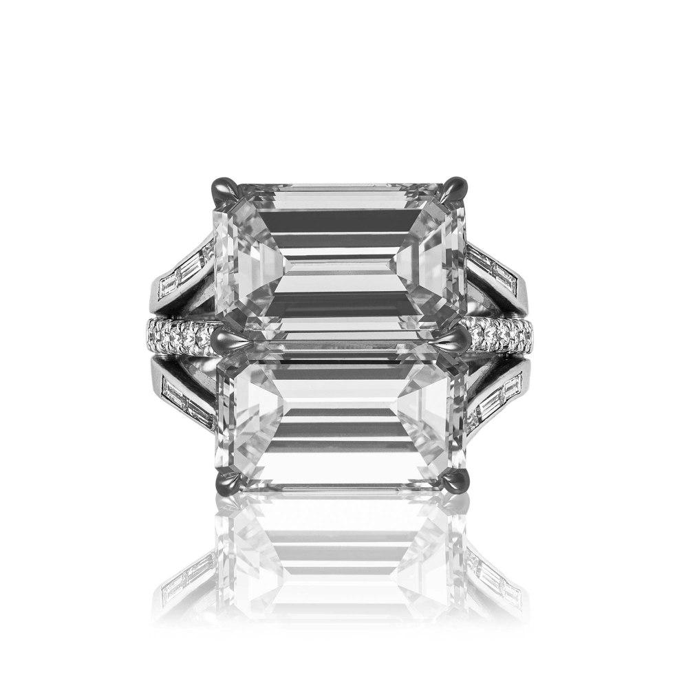 KESSARIS Baguette and Brilliant Cut Diamond Ring DAP180511