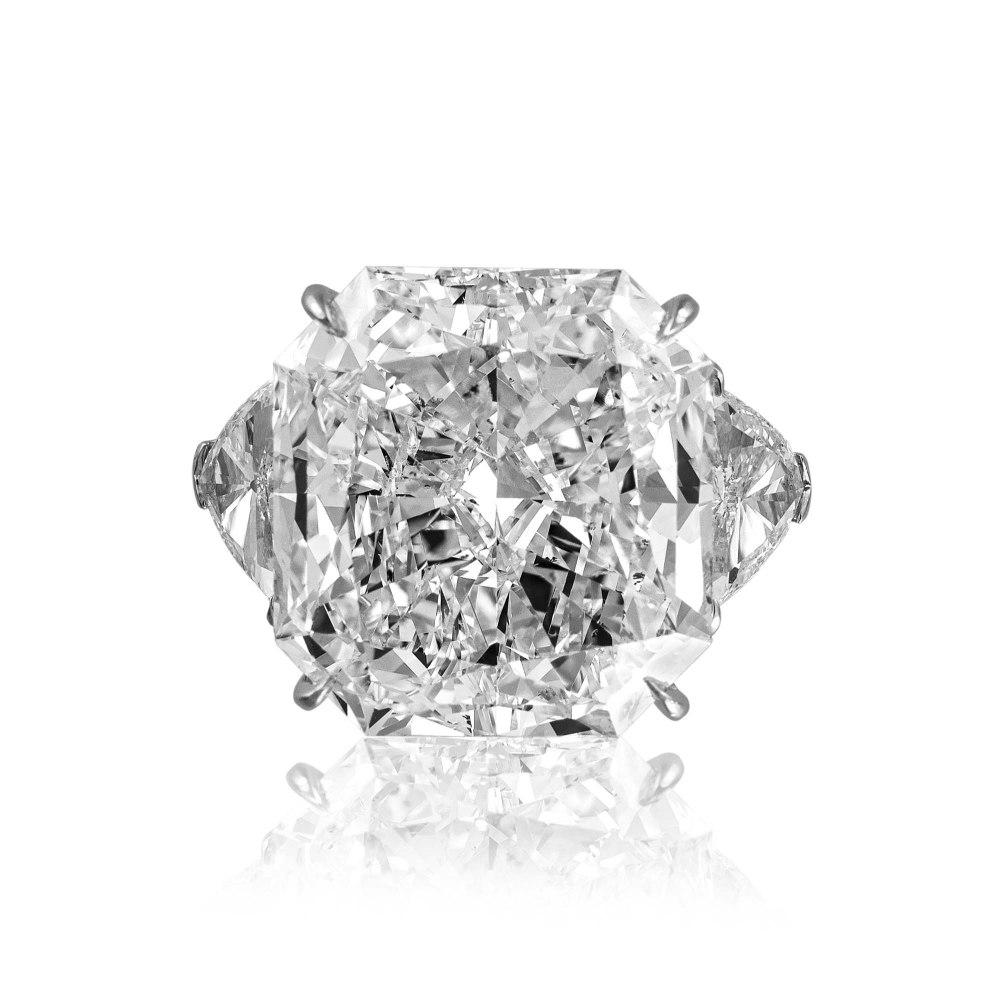 KESSARIS Cushion and Triangle Cut Diamond Ring DAP101112