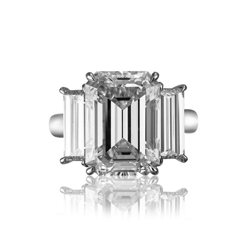 KESSARIS Emerald and Baguette Cut Diamond Ring DAP191981