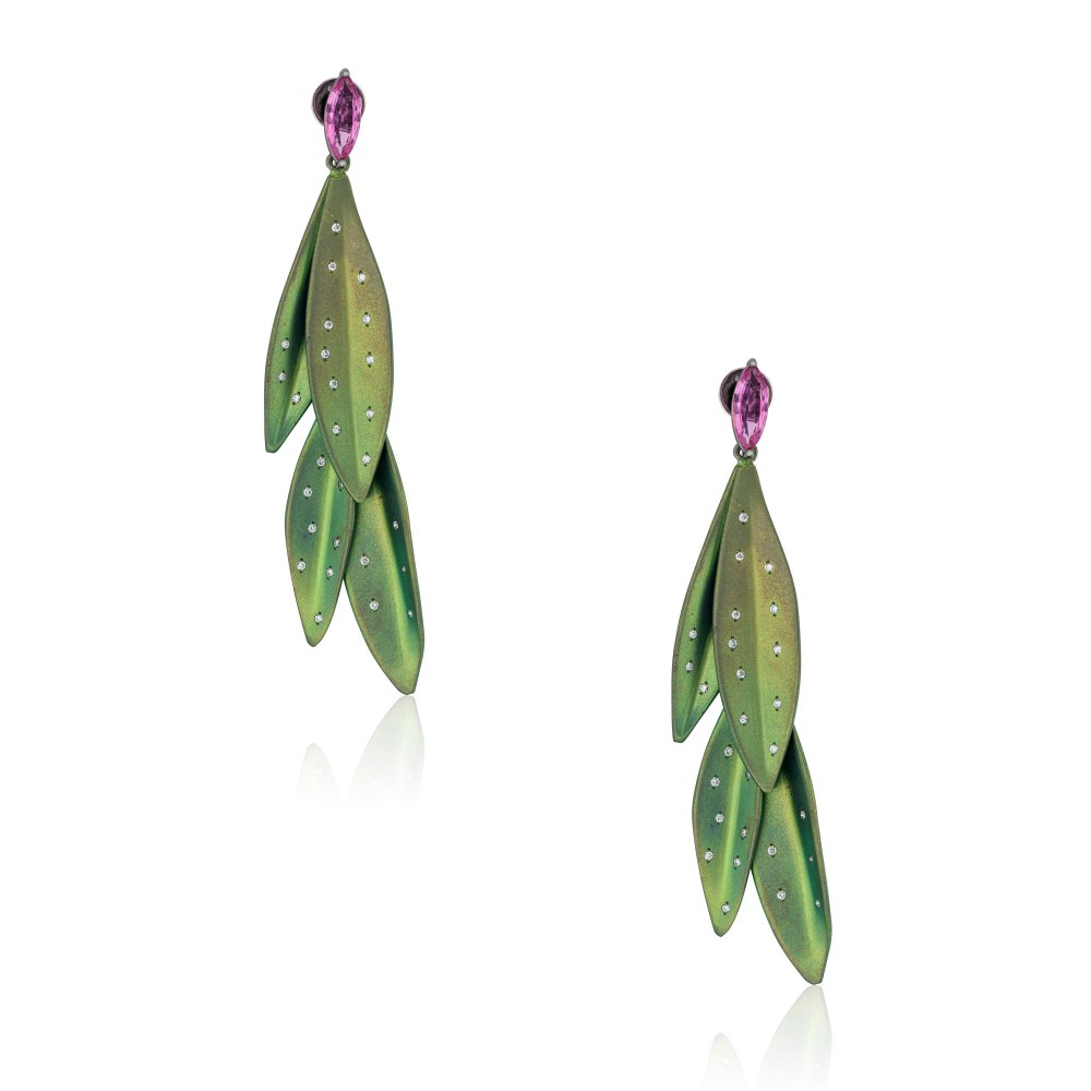 ANASTASIA KESSARIS Olivia Green Titanium Diamond Earrings A.ER.MT0035