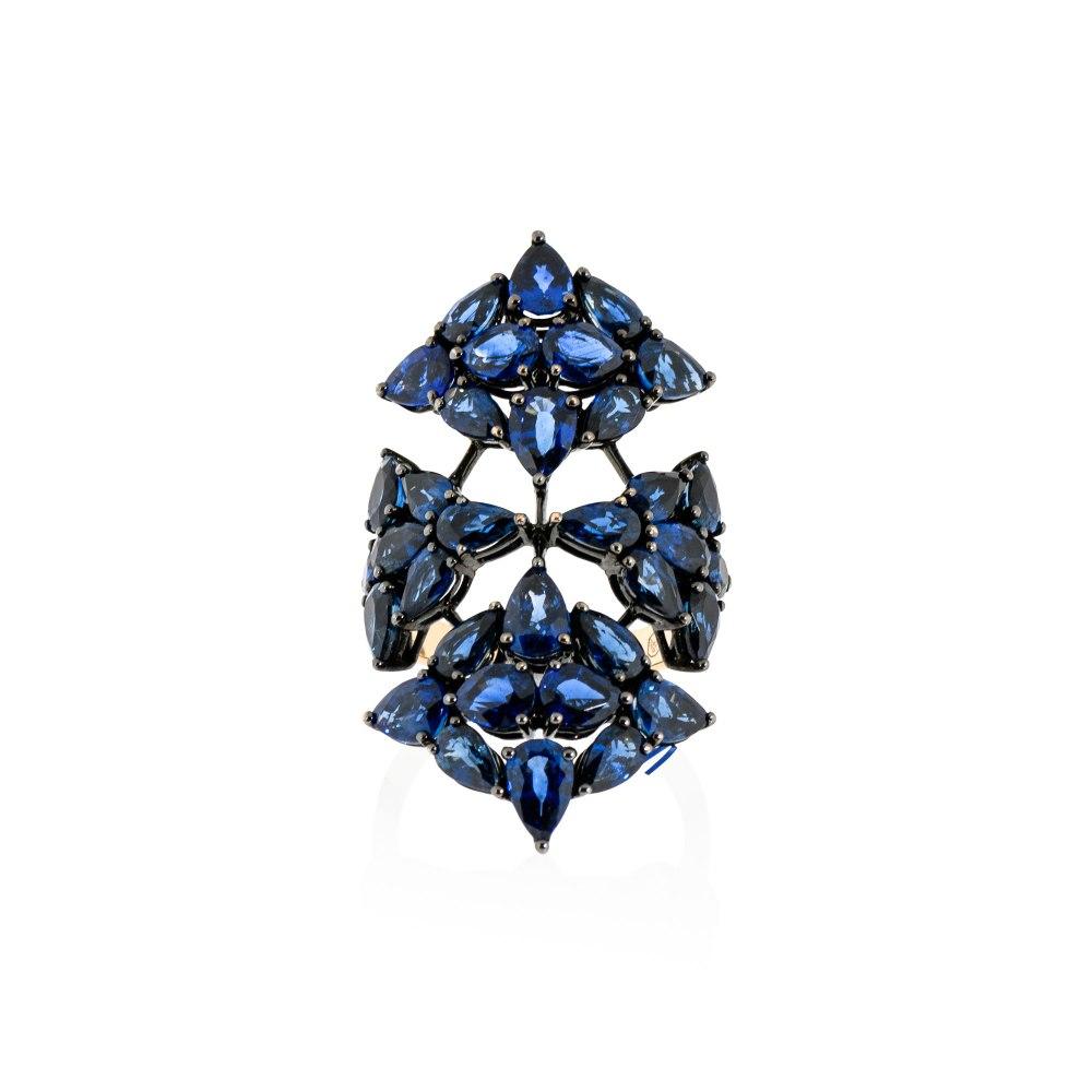 KESSARIS Sapphire Shield Ring DAE162631
