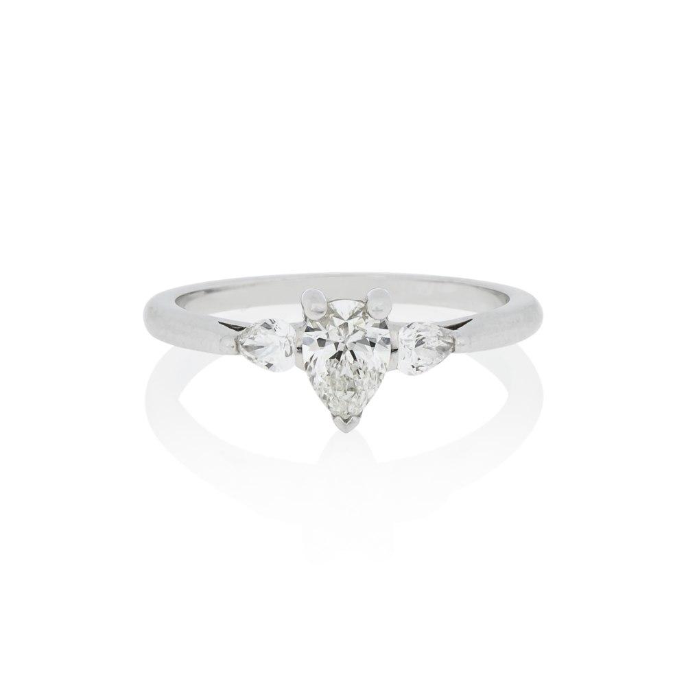 KESSARIS Pear Cut Diamond Engagement Ring DAP151210