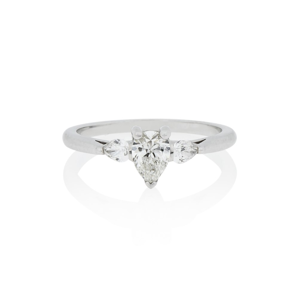 KESSARIS Pear Cut Diamond Engagement Ring DAP151210