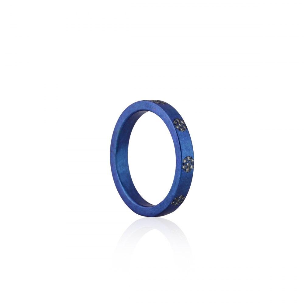 ANASTASIA KESSARIS Round and Around Blue Titanium Diamond Ring DAE170901